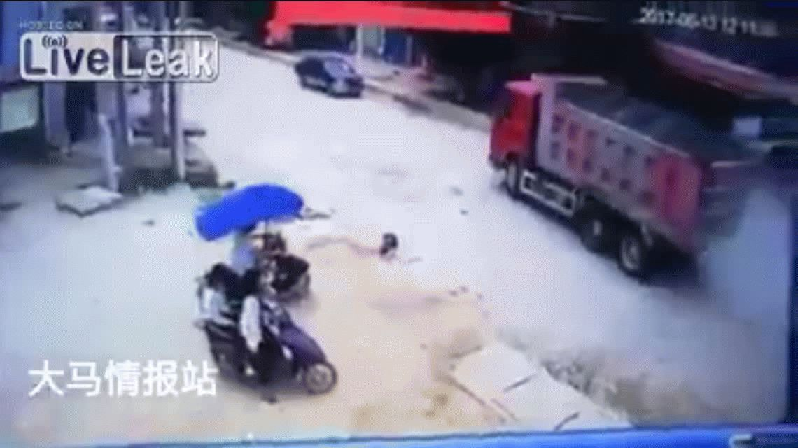VIDEO: Un nene fue atropellado en China y resultó ileso