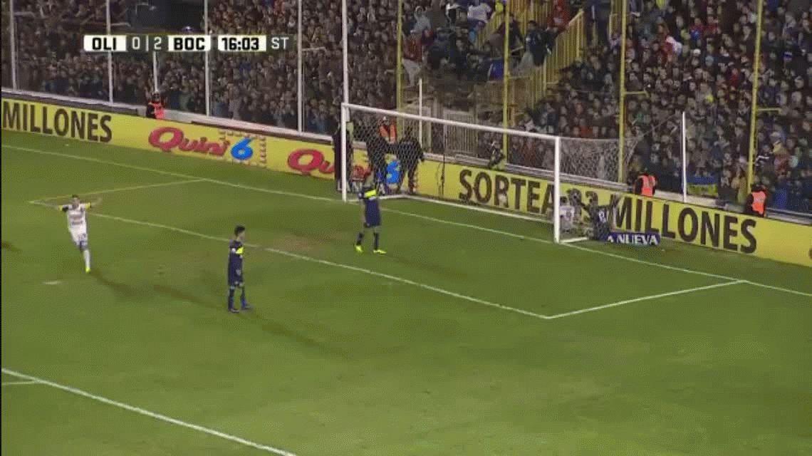¿Se relajaron? Mirá el papelón de Fernando Gago y Lisandro Magallán en el primer gol de Olimpo