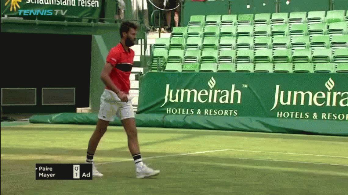 El francés Benoit Paire se volvió loco en el ATP de Halle