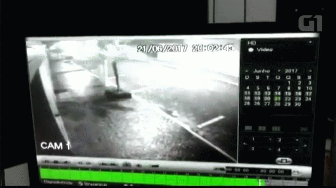 VIDEO: Le intentó robar a un policía de civil y terminó muerto de un balazo