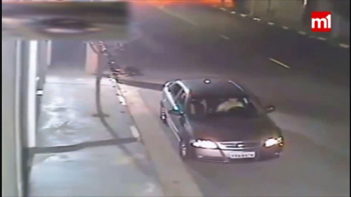 VIDEO: Su esposo le fue infiel y ella se vengó teniendo sexo en el auto