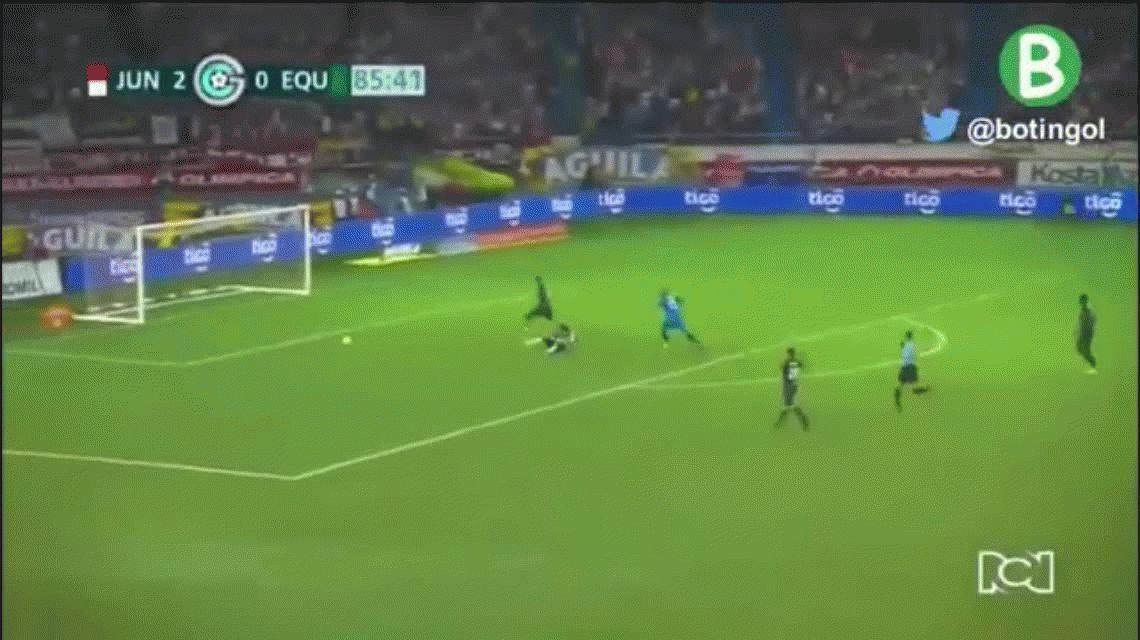 El colombiano Teo Gutiérrez debutó con un gol en el Junior de Barranquilla