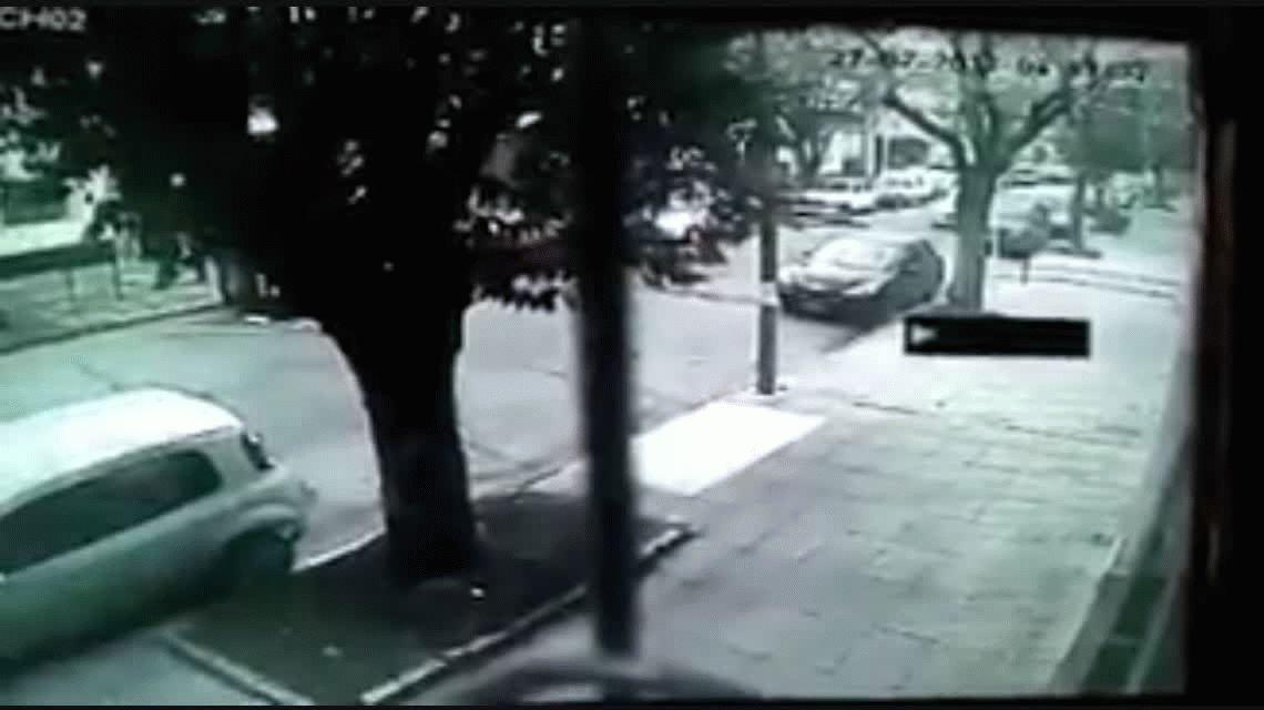 VIDEO: Atropelló a una mujer, la mató y escapó