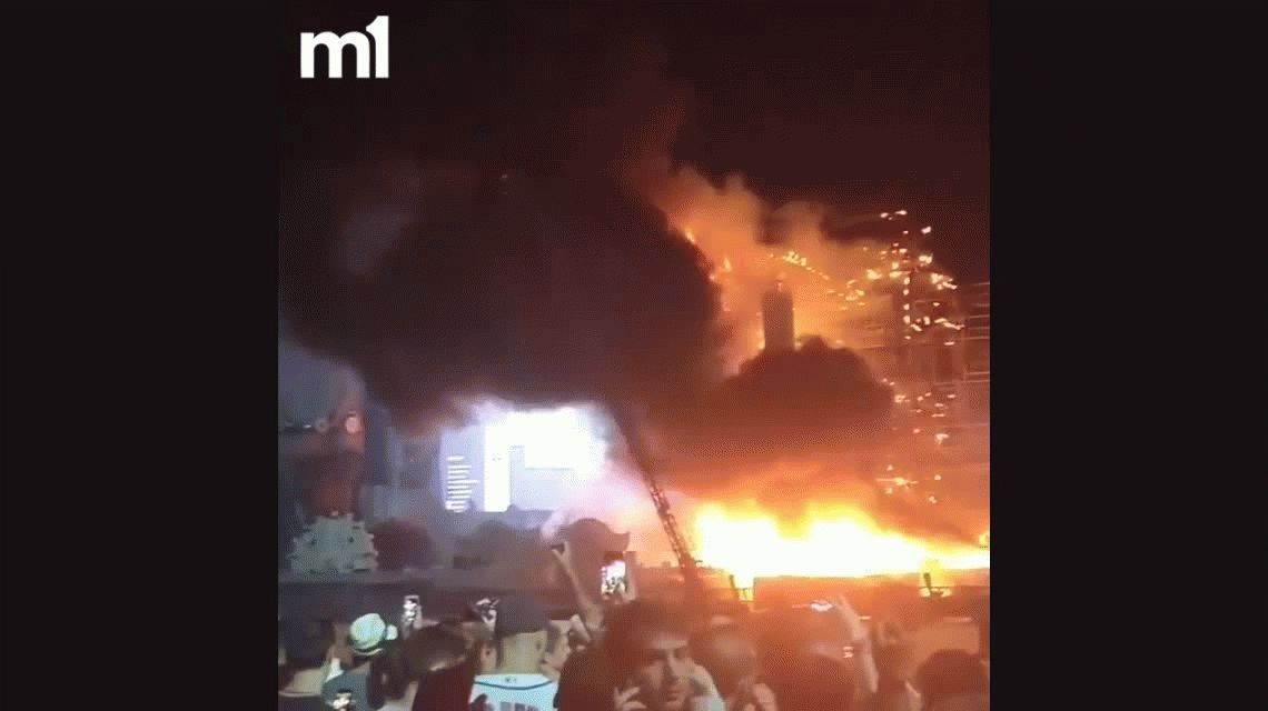 Evacuaron el festival Tomorrowland en Barcelona por un incendio masivo