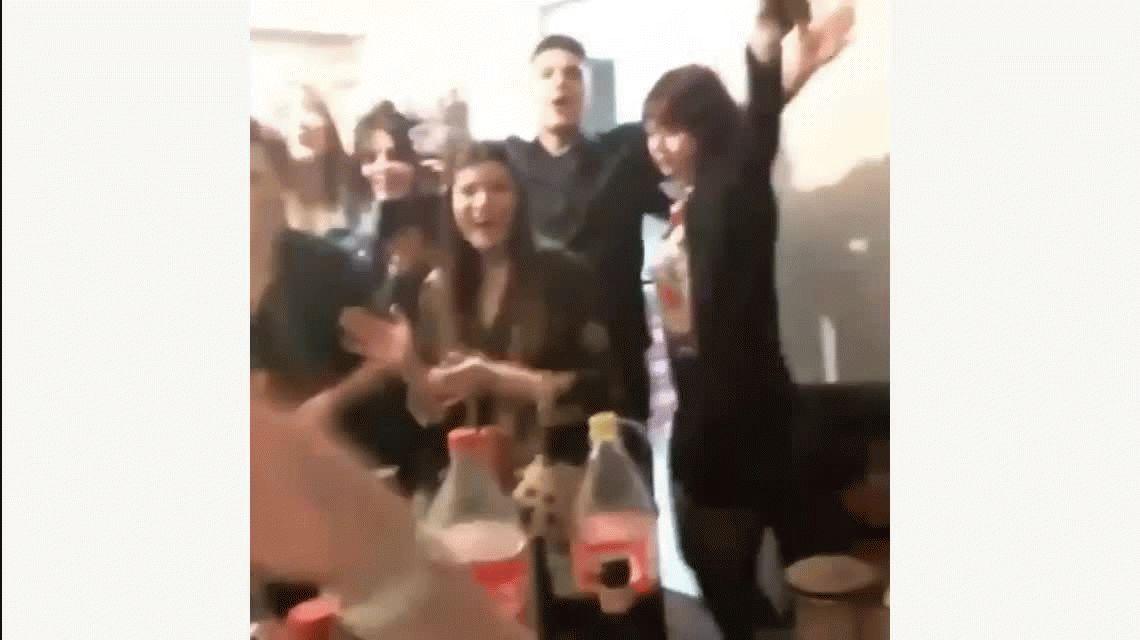 La Tonta de Jimena Barón cantadas por fans