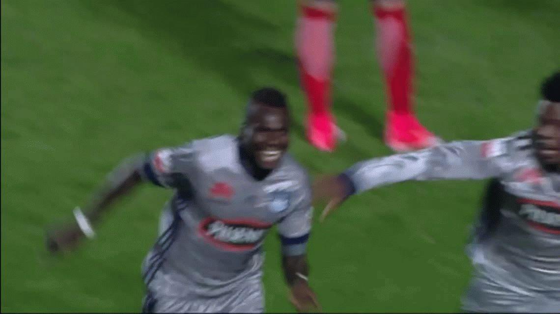San Lorenzo jugó mal, perdió con Emelec pero pasó a cuartos en los penales