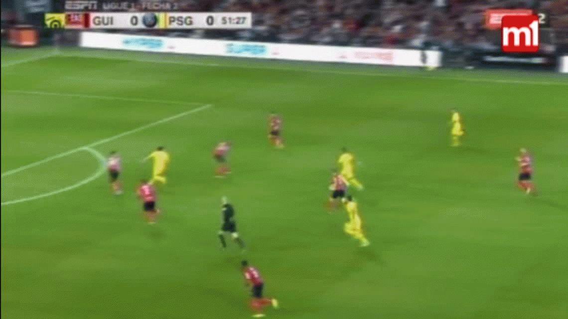 VIDEO: El increíble gol en contra en el debut de Neymar