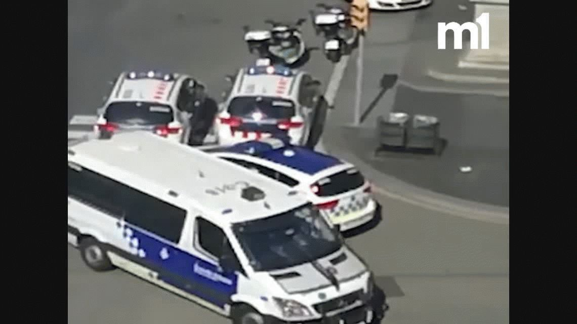 Atentado en Barcelona: una camioneta mató a 13 personas e hirió a otras 100