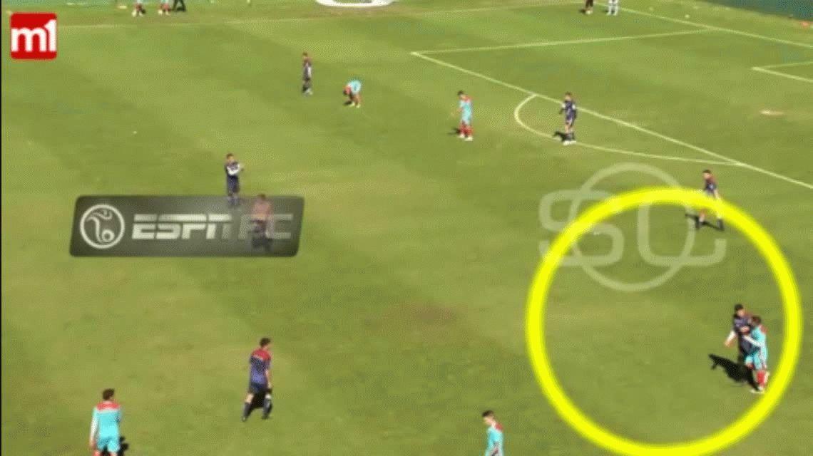A las piñas: Arsenal y Tristán Suárez no pudieron terminar su amistoso