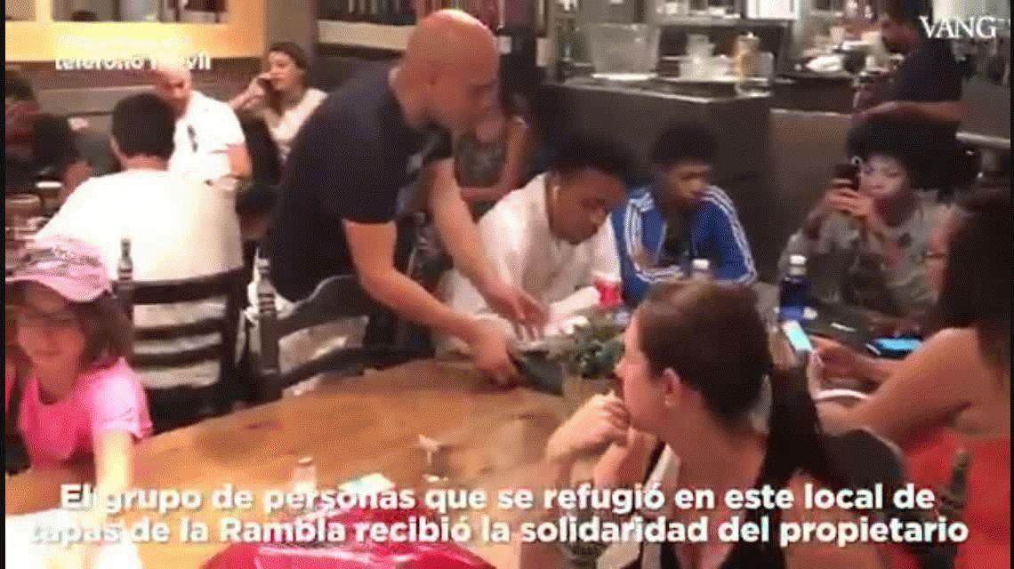 Un restaurante ofreció papas bravas a los afectados por el atentado