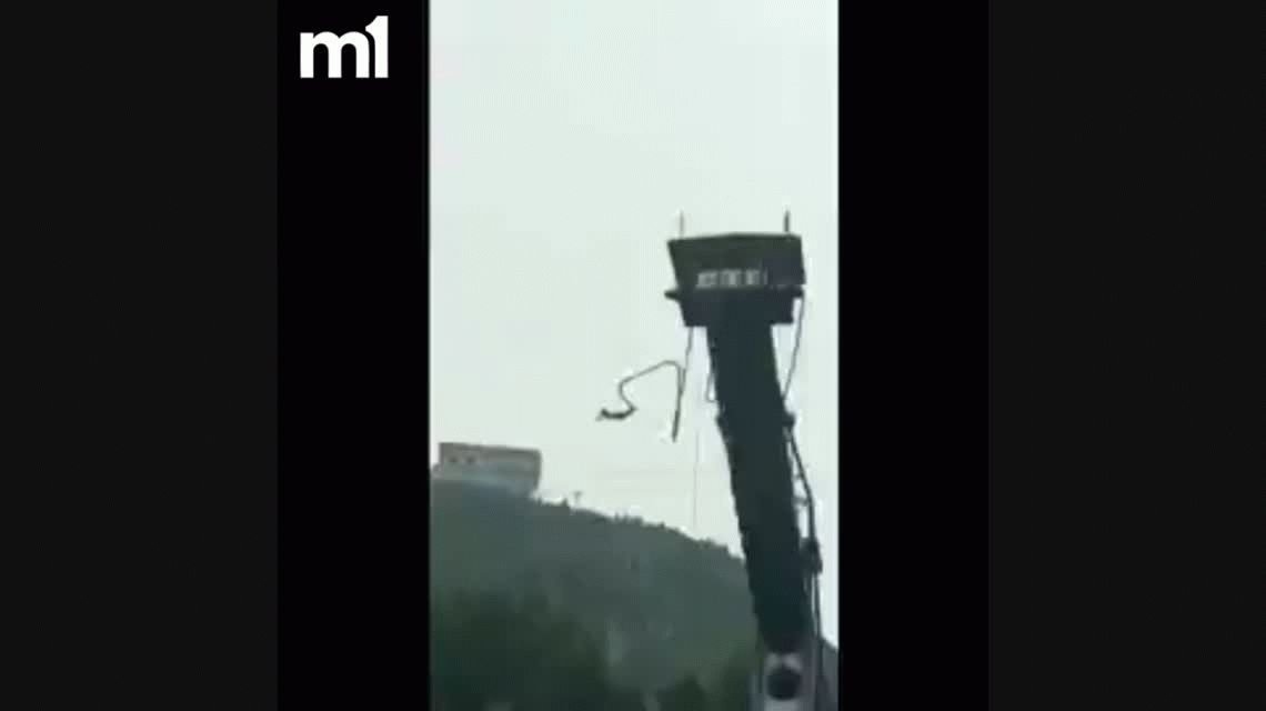 VIDEO: Se salvó de un brutal accidente haciendo bungee jumping