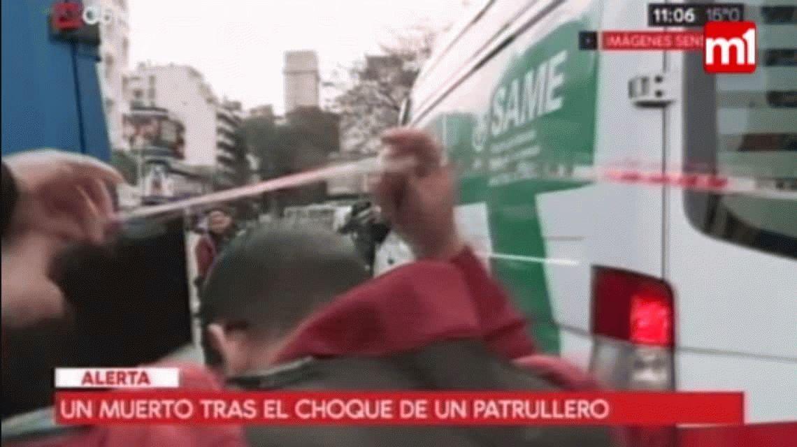 Chocaron dos autos y un patrullero en Belgrano: una mujer murió