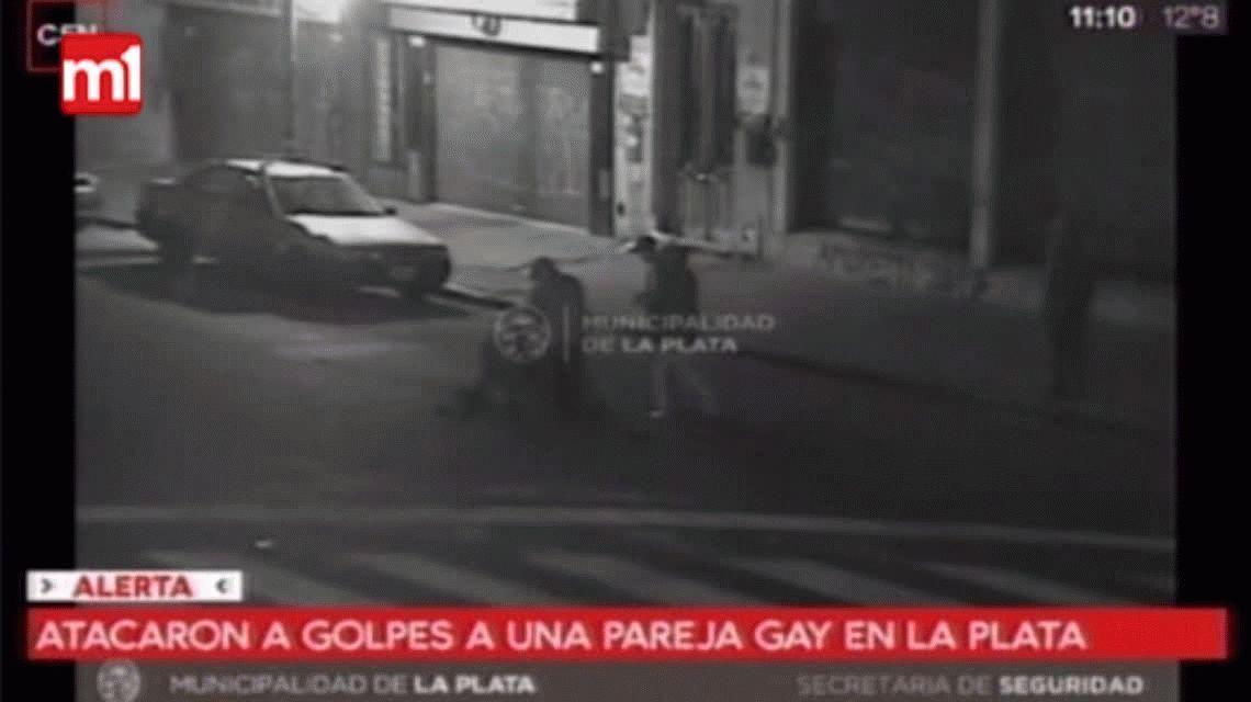 El salvaje ataque a golpes a una pareja gay: ¿Qué hacés puchero, p...?