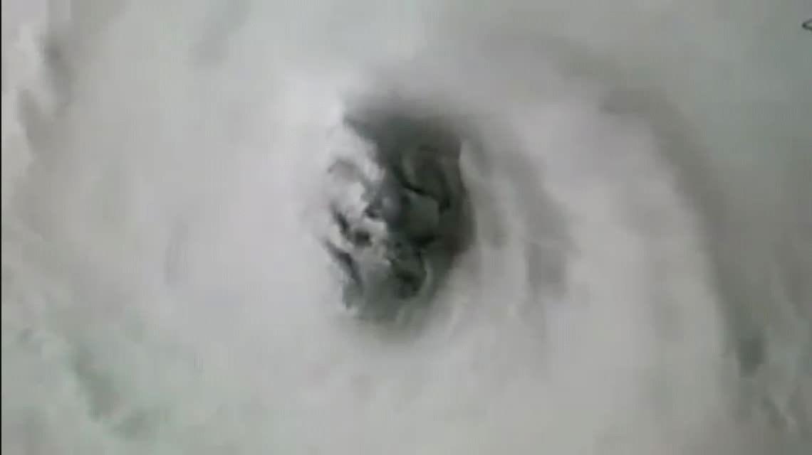 VIDEO: La espeluznante cara que se ve en el epicentro del huracán Irma