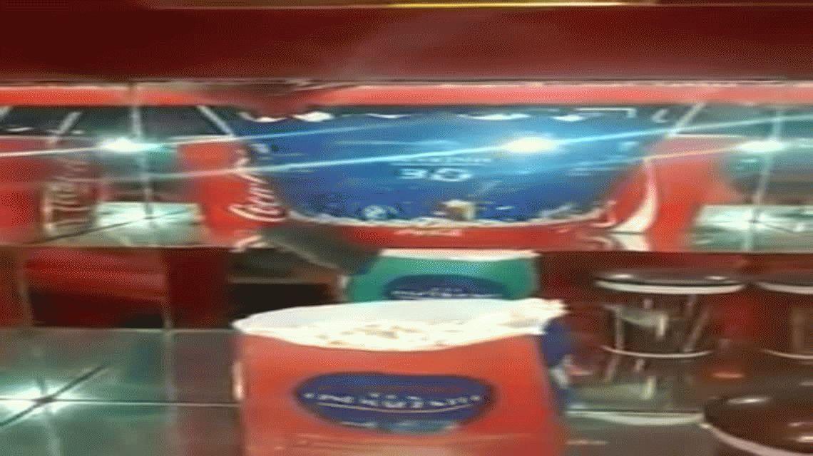 Denuncian la presencia de ratas en el kiosco de un cine de San Luis