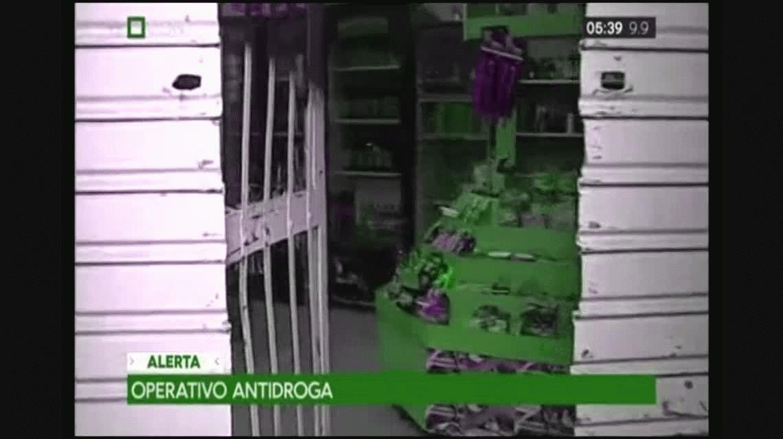 Allanaron un maxikiosco en La Paternal por presunta venta de drogas