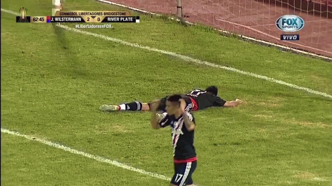 VIDEO: Jorge Wilstermann – River: el gol que se perdió Scocco con el arco vacío