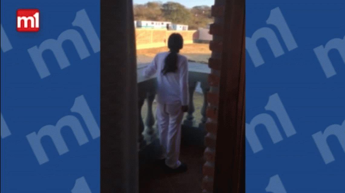 VIDEO: Milagro Sala salió al balcón y les preguntó a los gendarmes por Santiago Maldonado