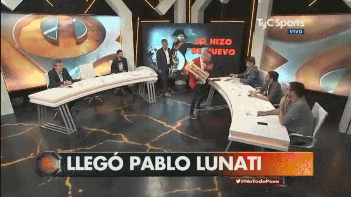 El Loco Pablo delira por los ocho goles de River: Lunati le llevó pepinos a Parapam