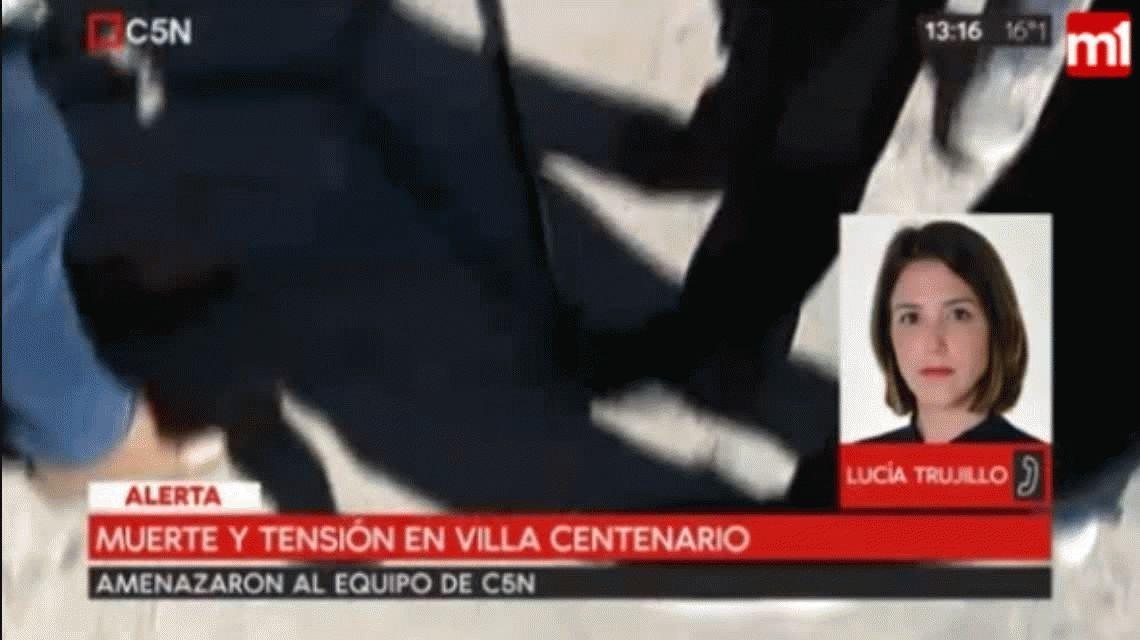 Familiares y amigos del joven asesinado en Villa Centenario echaron a los periodistas