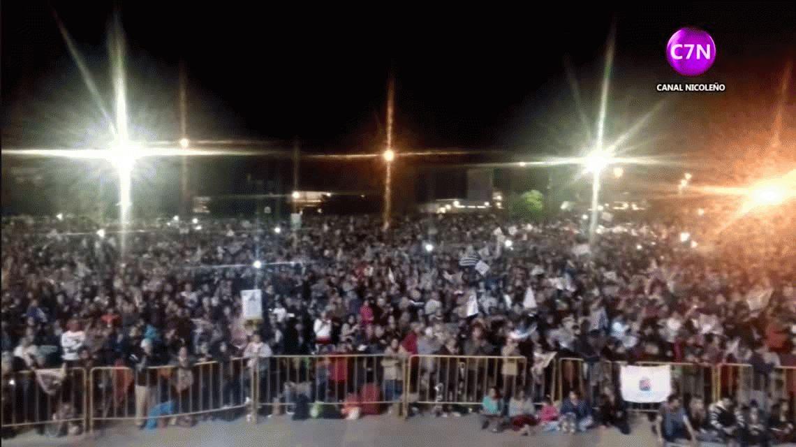 Miles de personas adoran a la Virgen del Rosario en San Nicolás a 34 años de su aparición
