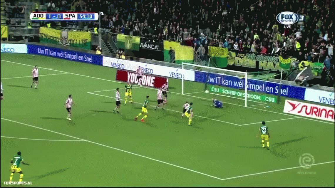 VIDEO La atajada del año: cuatro veces seguidas evita el gol