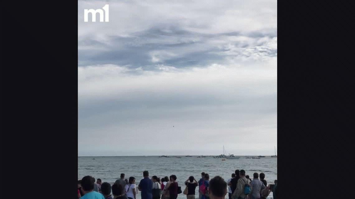 VIDEO: Un jet se estrelló contra el mar durante una exhibición en italia