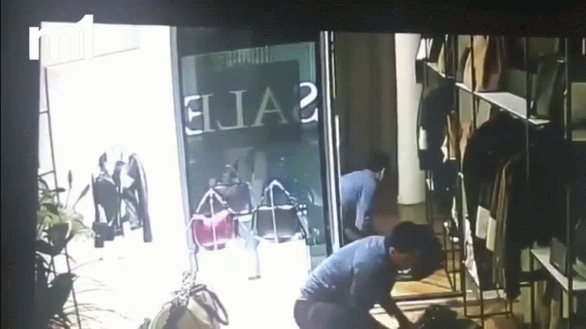 VIDEO: Un ladrón robó $200 mil en ropa de un local de Palermo
