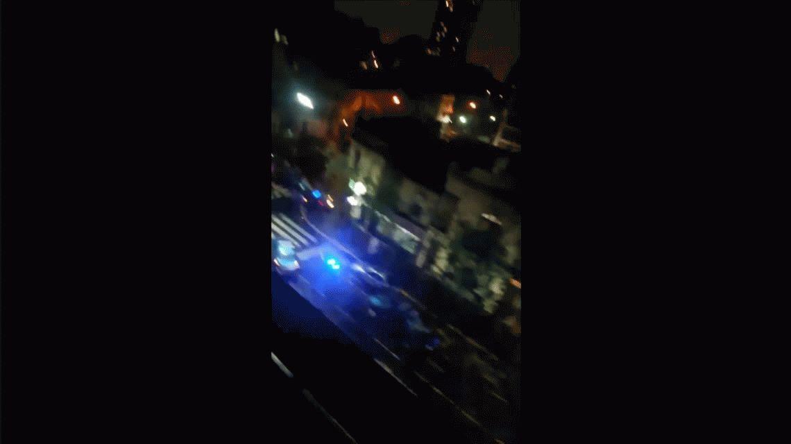 Un patrullero chocó un colectivo mientras perseguía a otro vehículo:murió un policía