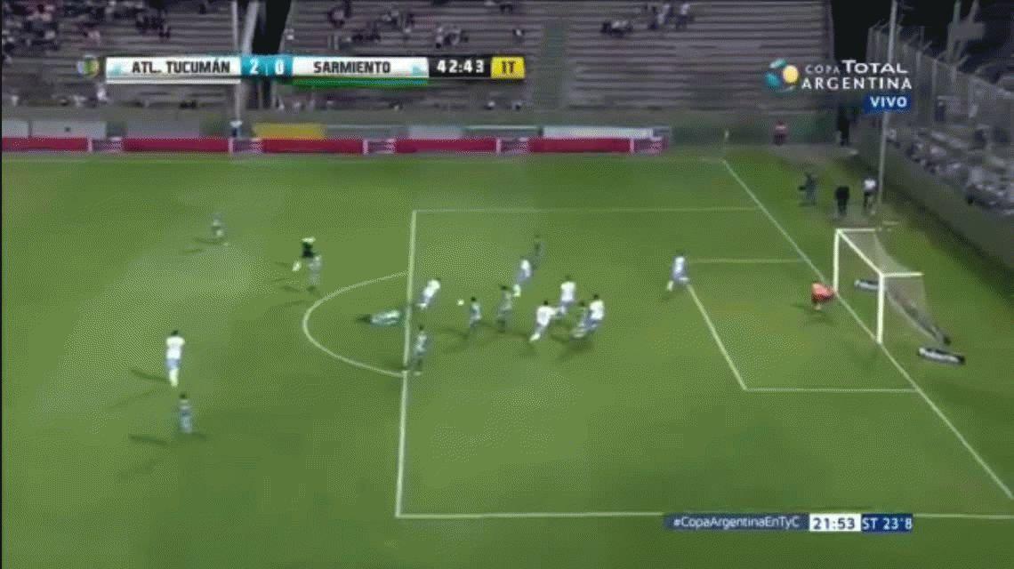 Esta maravilla de Atlético Tucumán hubiera sido el gol del año: pegó en el palo