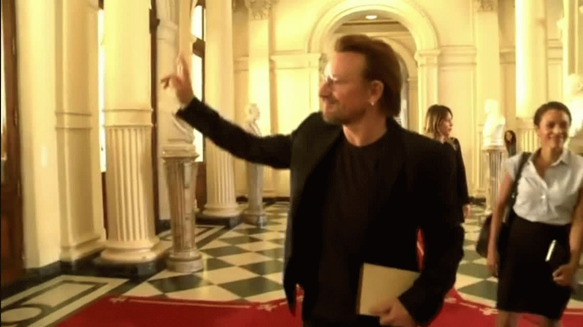 Bono le preguntó a Mauricio Macri por Santiago Maldonado