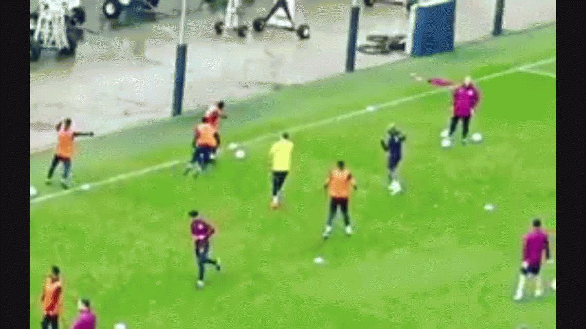 VIDEO: El caño del Kun Agüero a Mikel Arteta