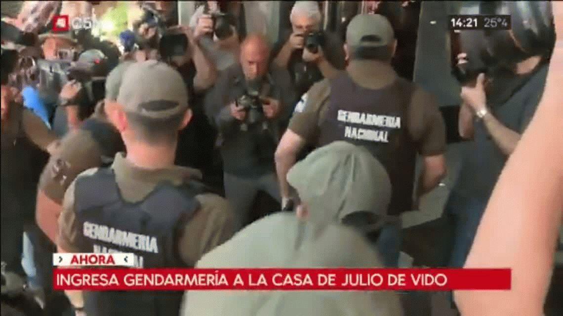 VIDEO: Así entró la Gendarmería a la casa de Julio De Vido para detenerlo