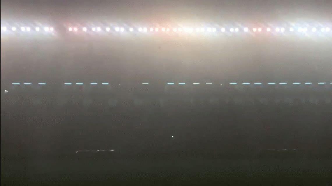 VIDEO: Un rayo sacudió la cancha de Independiente y cortó  transmisiones de radio y TV