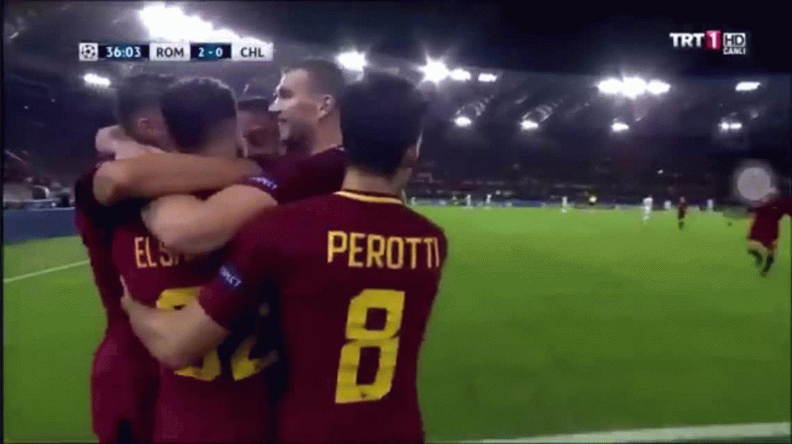 El festejo sexual de Diego Perotti con Stephan El Shaarawy en la Roma