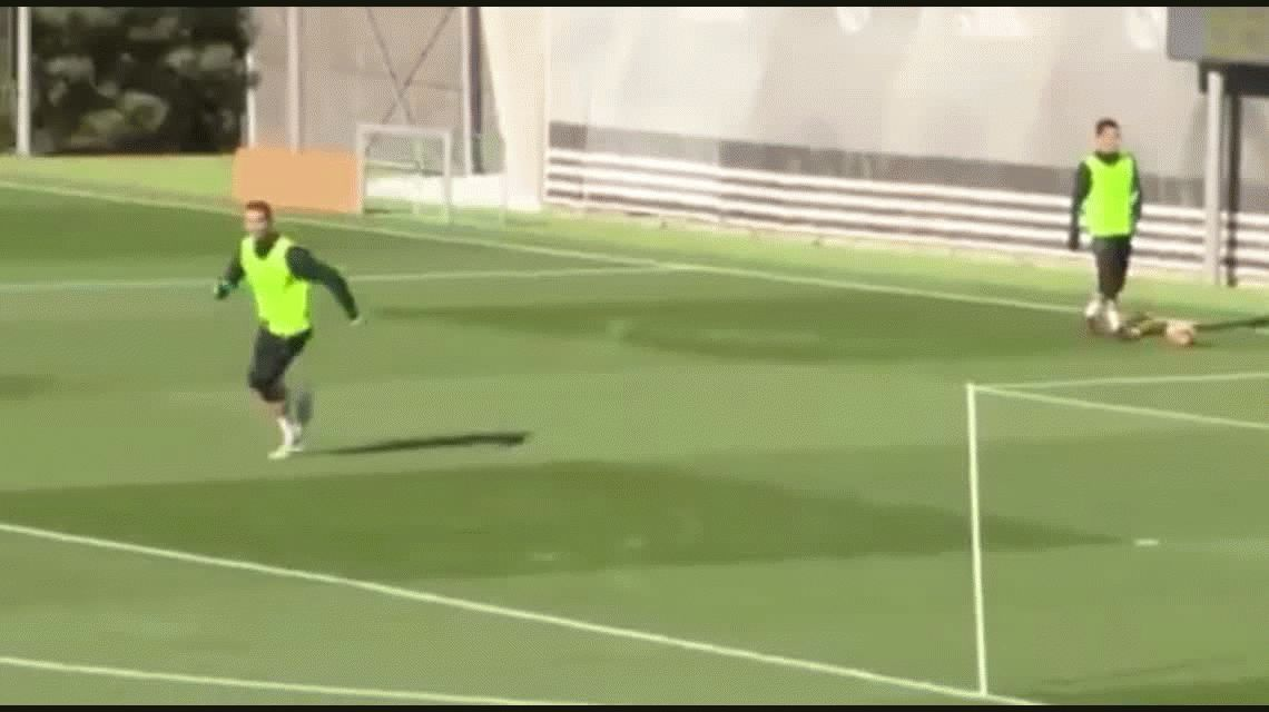 El golazo que hizo CR7 en una práctica del Real Madrid