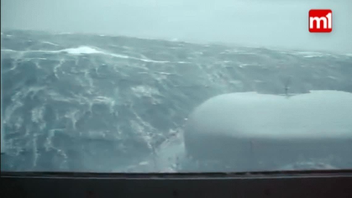 Viento y olas de más de 6 metros: el video que muestra el rastrillaje para hallar al submarino