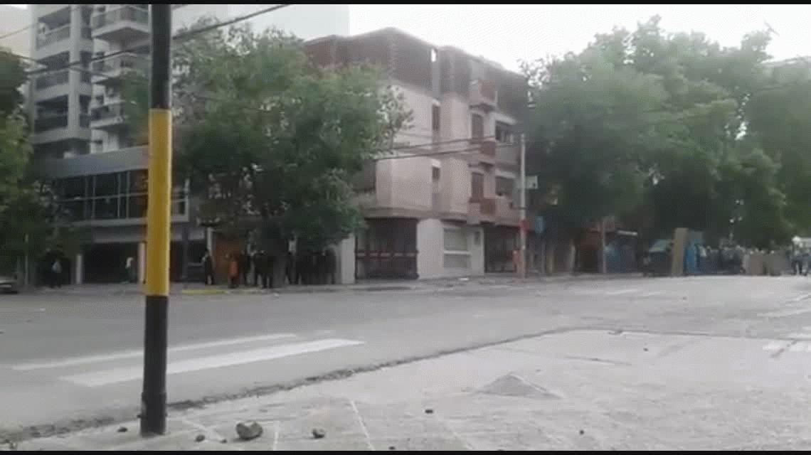 Tres heridos de bala tras avanzada de la policía de Neuquén sobre trabajadores de ATE