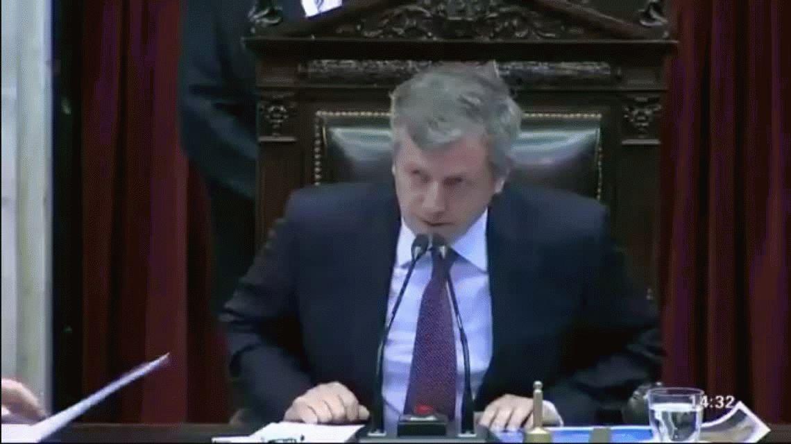 ¡Otra vez Carrió! La desubicada pregunta en el inicio de la sesión por la reforma previsional