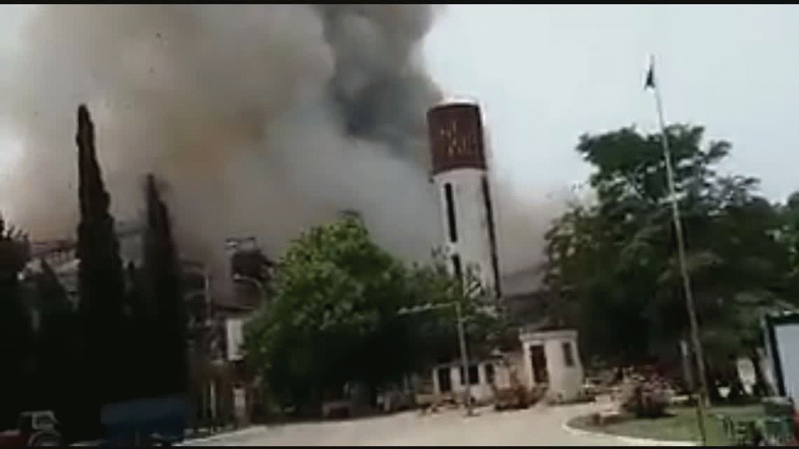 Explosión e incendio en una planta cerealera de Rosario: un muerto y 15 heridos