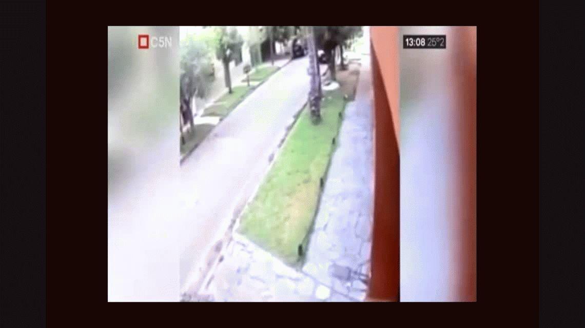 VIDEO: Así dos motochorros atropellaron a un nene de 5 años en Loma Hermosa