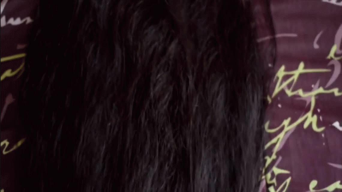 Abril tiene 17 años y su cabello le llega casi a los tobillos: es récord Guinness