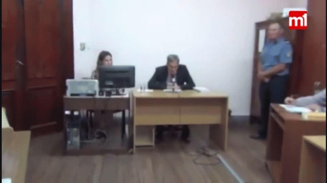 Tranquila, inmóvil y sin decir una palabra: el video que muestra a Nahir Galarza en la audiencia