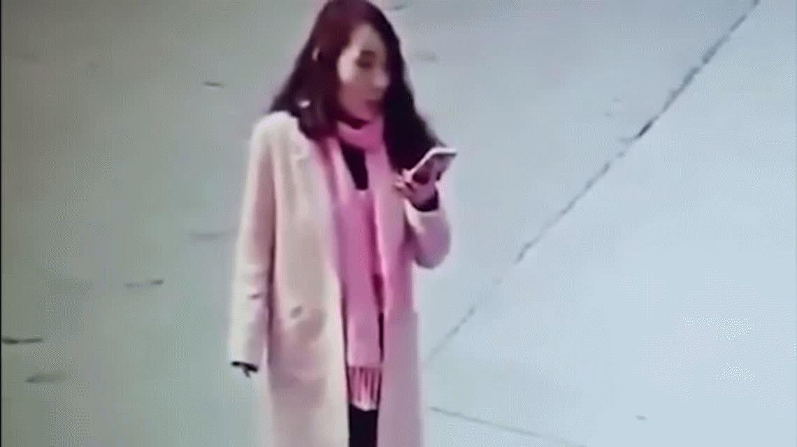 VIDEO: Viajó 800 km. para darle una paliza a una mujer que le puso una mala nota online