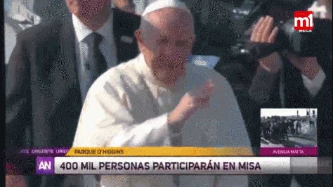 VIDEO: Francisco iba en el Papamóvil, le tiraron un objeto y casi le da en la cara