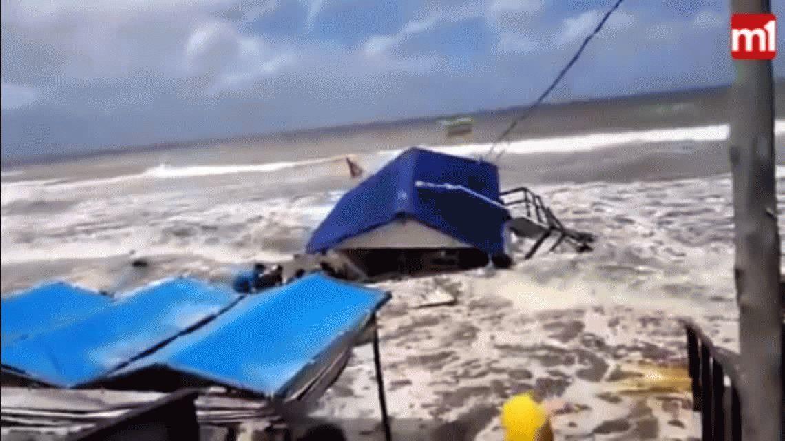 Impresionantes imágenes de la sudestada en Costa del Este