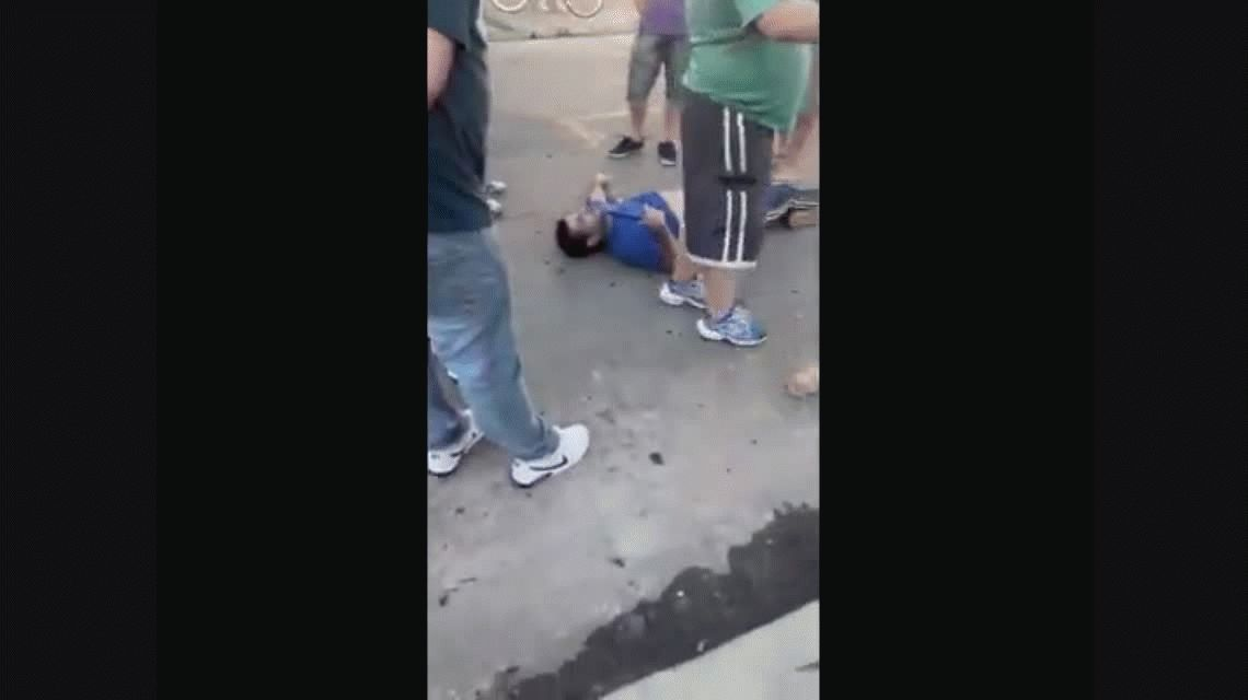 Avellaneda: vecinos detuvieron y agredieron a un delincuente