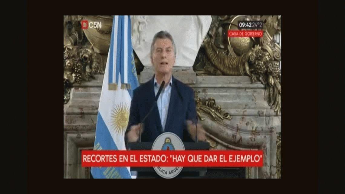 Sin paritarias, familiares y un recorte del 25%: las 3 medidas que anunció Macri