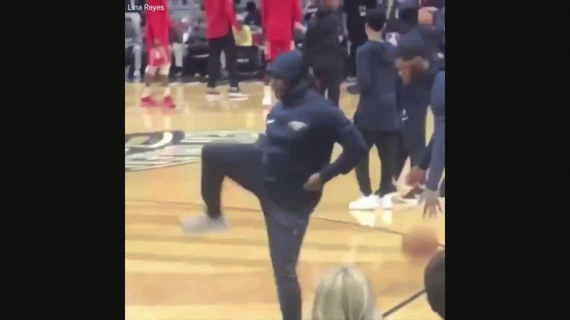 Un fanático se hizo pasar por jugador de la NBA y participó del calentamiento