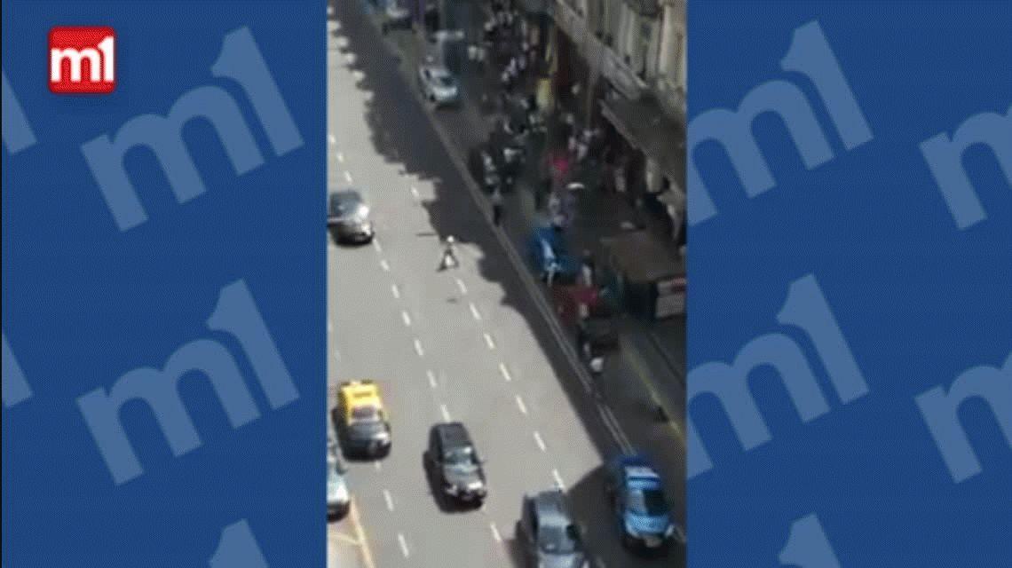 VIDEO: El momento en el que se inició el tiroteo en pleno centro porteño